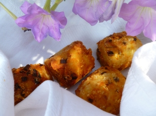 http://diplomatickitchen.files.wordpress.com/2011/10/moules-a-lescargot-soft-swiss-rolls-tater-tots-finished-142.jpg