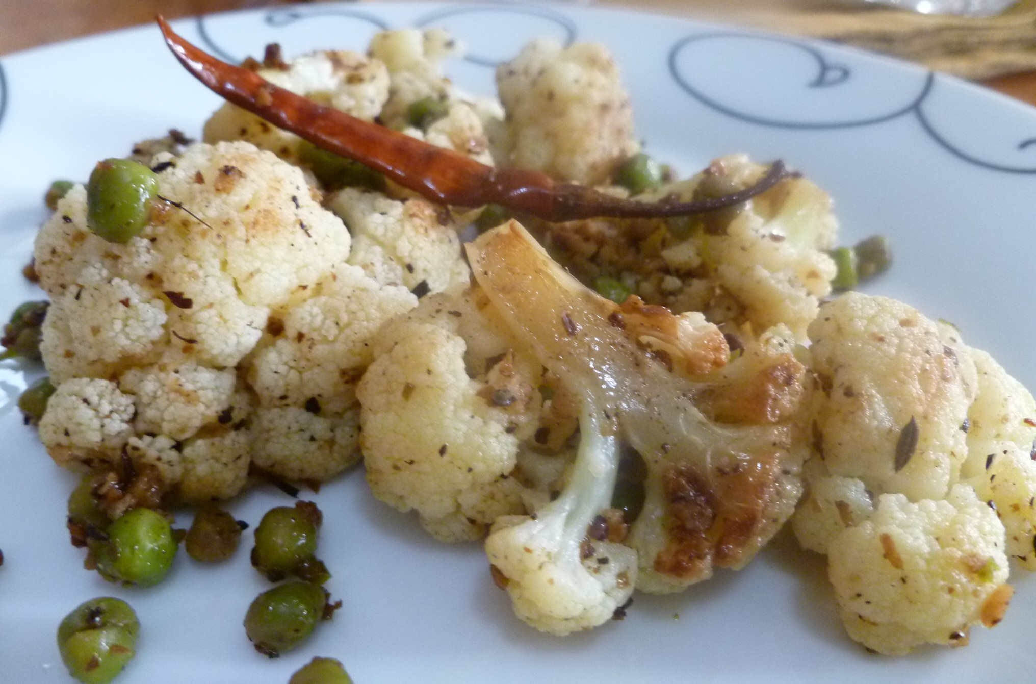 Stir-fried Cauliflower and Green Peas with Toasted Cumin and Coriander ...