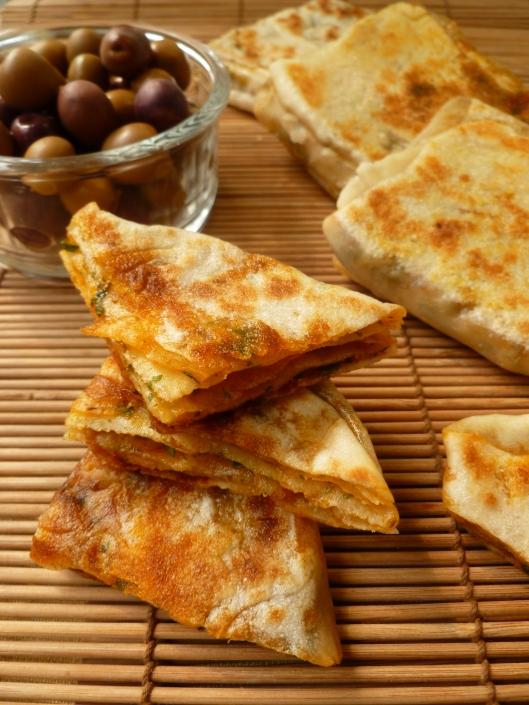 Moroccan flatbread r ghayef pain marocain for Anissa helou lebanese cuisine