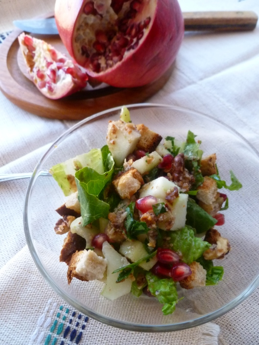 romaineapplecucumberitalianparsley salad with pomegranate seeds 027