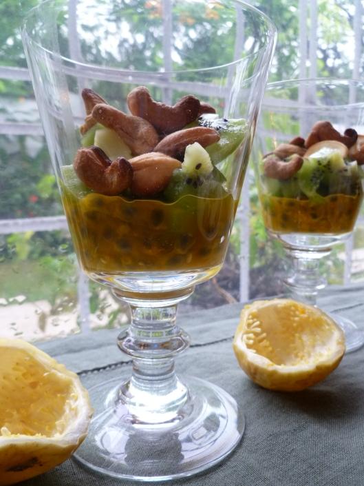 Pasion fruit Kiwi verrines and a mango 016