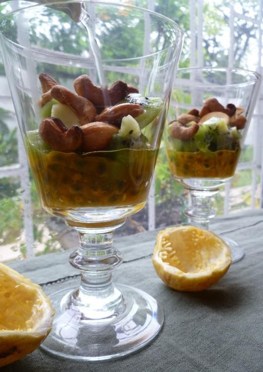 Pasion fruit Kiwi verrines and a mango 018