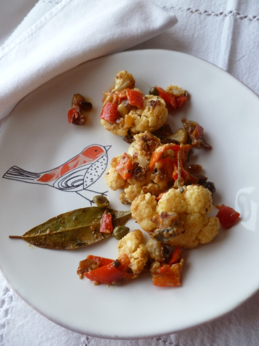 cauliflower with creamcaperspinenutsraisines 001
