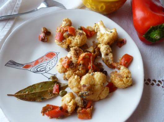 cauliflower with creamcaperspinenutsraisines 004
