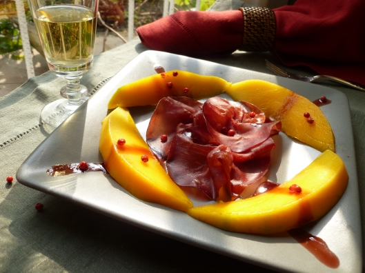 Braesola with mango caramelized wine baies roses last touch 046